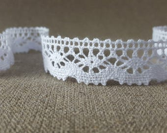 Pure white COTTON CROCHET bobbin lace trim, 23mm