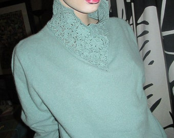 Vintage angora and wool pullover.Pullover with lace stand-up collar.Light green angora pullover made in Italy