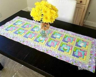 Easter Bunny Table Runner, Easter Table Runner, Spring Flowers Table Runner, Quilted Table Runner, Centerpiece, Tablescape, Bunny Home Decor