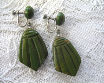 Vintage Carved Bakelite Earrings ~ Dangle ~ Drop ~ Screwback