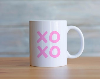 xoxo mug // gossip girl // pink mug // gifts for her // gifts for girlfriend // bridesmaid gift // cute gift for her // valentines gift