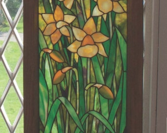 Gothic Daffodil Stained Glass Pattern.© David Kennedy Designs.
