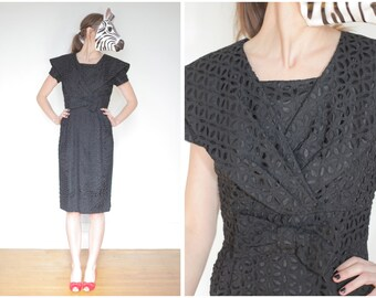 Vintage 50s/60s Gorgeous Black Eyelet Wiggle Dress with Bow and Wide Collar   Small