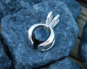 Interchangeable Pendant with 10mm Black Onyx stone.