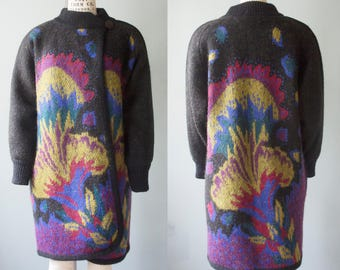 Vintage wool blend long sleeve sweater cardigan, one button, mandarin collar, knitted floral pattern