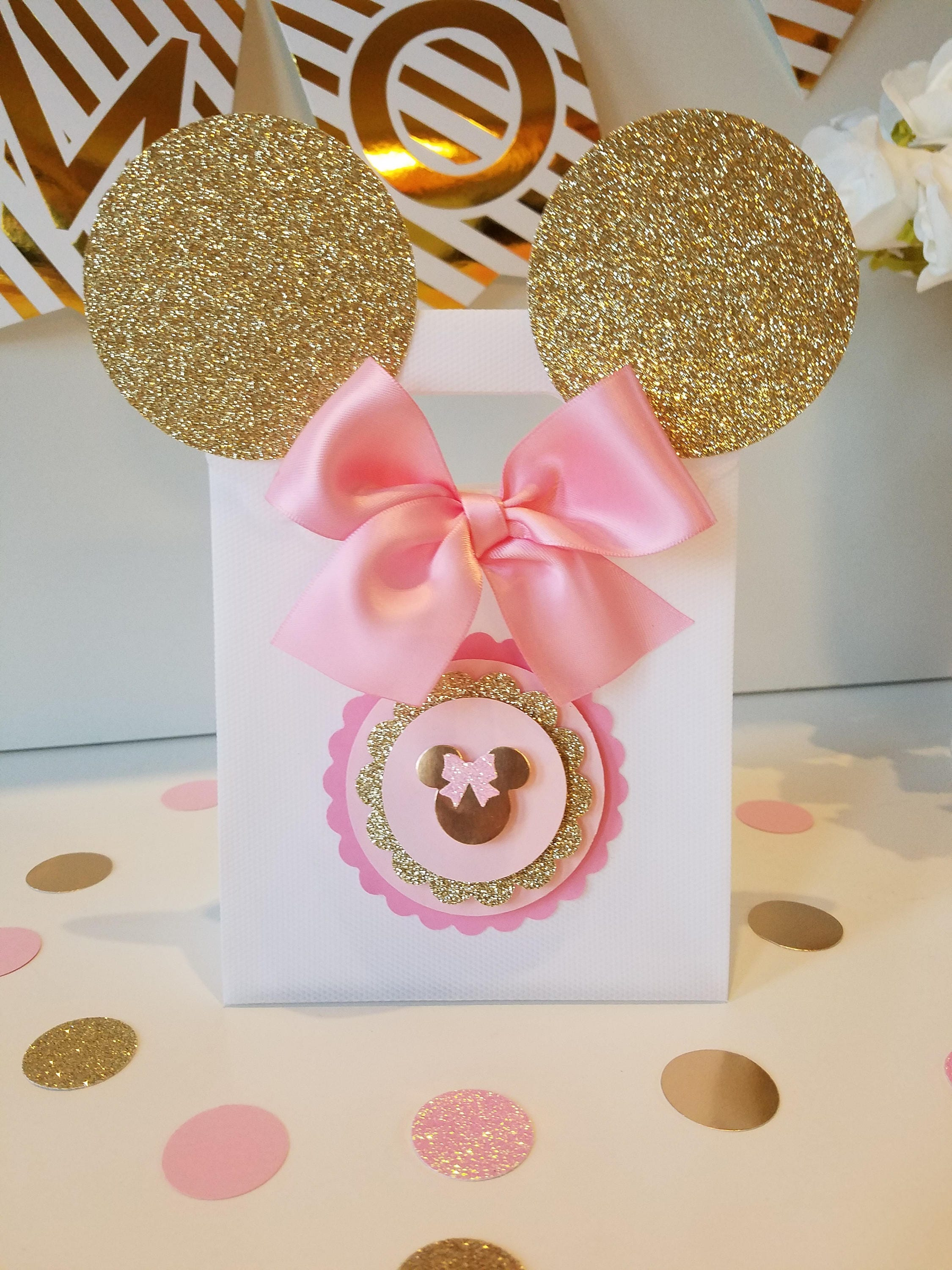 Pink and gold Minnie Mouse bagsGold Minnie Mouse Party