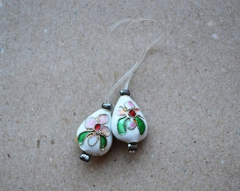 "Handmade Knitting Stitch Markers With Flower Metal Beads ""Classy"" set of 2"