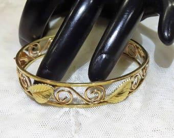Vintage Krementz Gold Filled Textured Leaf Design Cuff