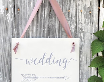 Wedding Directional Sign | Right Arrow Pointing to Wedding Ceremony or Reception | Feather Arrow Wedding Signage | Banner 1429R BW