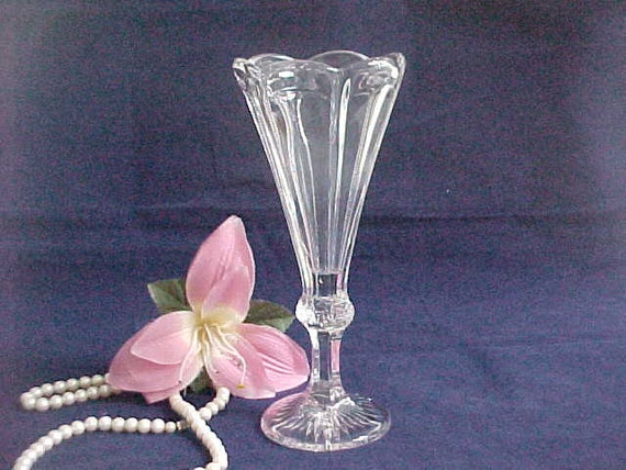 Antique Clear Glass Winsome Vase Circa 1903 By National Glass