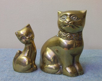 Pair of Brass Cats Vintage Home Decor Figurine Figures Heavy Cute Kitties Kitty Cat