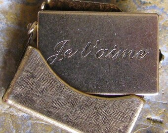 2 Small Antique Gold Brass JE T'AIME Love insert Letter Textured Envelope Finding 746TJ