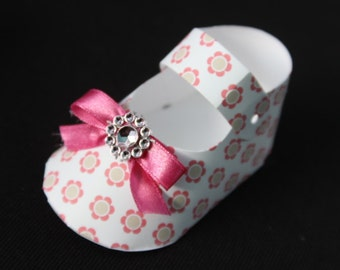 25 DIY daisies birds baby shoe Shaped Party favor boxes  baby shower