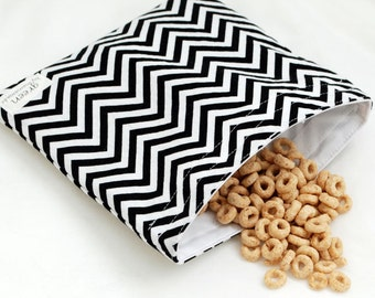 Optical Illusion (Zig Zag) - Medium Reusable Sandwich Bag from green by mamamade