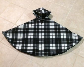 Carseat Poncho Black and White Plaid