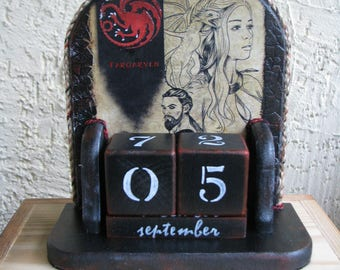 Wooden perpetual calendar, Decoupage handmade, unique gift for Game of Thrones fans, Daenerys Targaryen with dragons