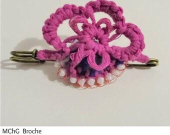 Fan: brooch