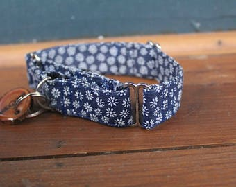 "The ""Daisy"" Collar"