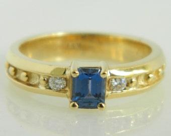 Unique 14K Gold Tanzanite & Diamond Ring