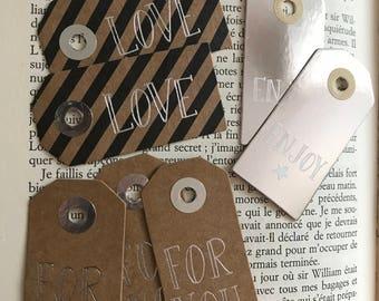 Set gift tags