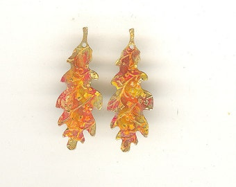 """2 Vintage """"Late Fall"""" Hand Painted 1-1/2th Inch Brass Metal Oak Leaf Charms Pendants With Hole For Earrings"""