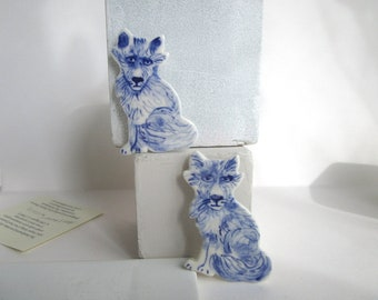 Fox - Pin - Blue and white porcelain Brooch - Hand made and hand painted Dutch Delftware