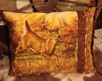 Left Facing Deer with Burnished Gold Pleat Fabric
