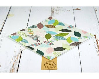 Napkin in organic cotton GOTS pastel leaves zero waste, eco-friendly and sustainable