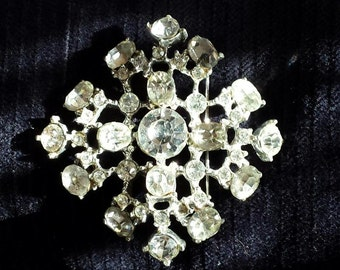 Crystal Brooch Vintage 1950's. Vintage.Ships FREE in USA & to Canada