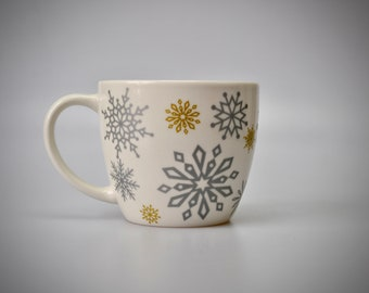 Starbucks Coffee Tea Cup Mug Holiday 2009 Snowflake Mermaid Logo 16oz