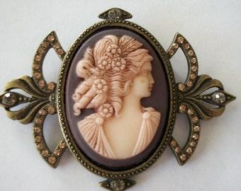 Sweet Romance Shelley Cooper Cameo Brooch Pin