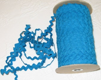 Vintage Cotton Ric Rac - Blue - 5 yards - 6 Dollars