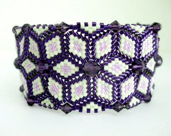 Beaded Bracelet  / Peyote Bracelet with Swarovski Crystals in Purple and Violet / Seed Bead Bracelet / Herringbone Bracelet /  Statement