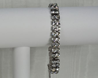 Vintage Rhinestone Cuff Bracelet, Mother's Rhinestone Bangle, Vintage Bridal Prom Bracelet, Elegant Rhinestone Bracelet, Bracelet Under 20
