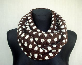 Crochet scarf Winter scarf Crochet infinity scarf Circle scarf Crochet cowl scarf neckwarmer Brown and Ivory loop scarf, Christmas gift