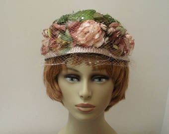 Vintage Mauve & Tan Flowered Straw Hat with Rhinestones