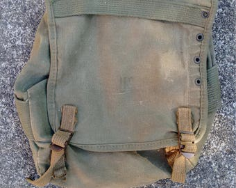 Vintage Small Olive Green Canvas US Military Bag or Pouch, Vietnam era