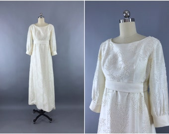 Vintage 1960s Wedding Dress / 60s Beaded Wedding Gown / Sequined Pearls / Size XS to S 0 2 4