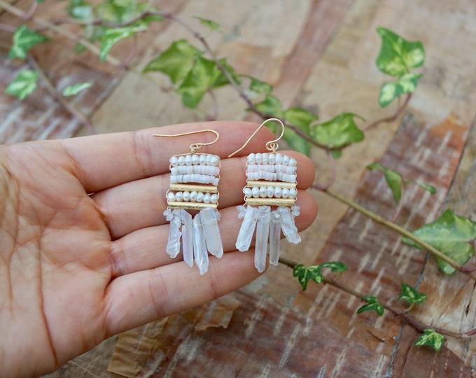 Raw crystal stones drop earrings