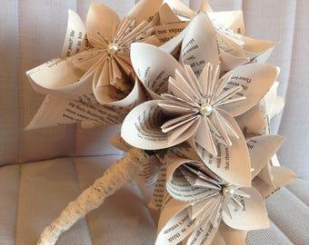 Book page bouquet, paper flowers bouquet, novel flowers, paper bridal bouquet, literary wedding, first anniversary, alternative bouquet