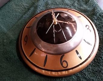 1937 Ford hubcap clock