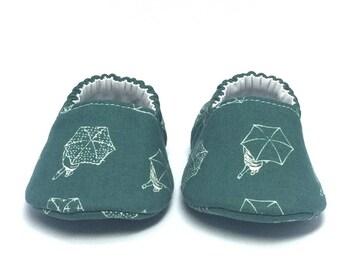 3-6mo RTS Baby Moccs: Umbrellas / Rainy Day / Crib Shoes / Baby Shoes / Baby Moccasins / Vegan Moccs / Soft Soled Shoes / Montessori Shoes