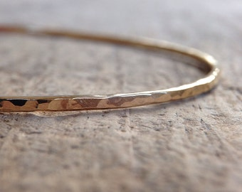 Hammered Gold Bangle, Womens Gift, Boho Luxe Jewelry, Gold Stacking Bangle, 14K Gold Fill Bangle, Skinny Bangle