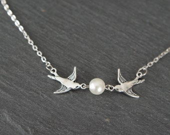 Swallow Necklace Bird Necklace Swallow Jewelry Bird and Pearl Necklace Bridesmaid Jewellery Bird Necklace Dove Bird Bridesmaid necklace