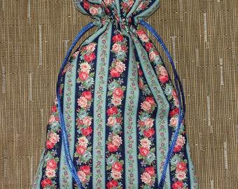 Flower Borders Drawstring Bag