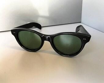 Amazing Vintage Women's Sunglasses