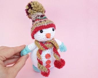 Crochet Christmas snowman, Christmas ornament, Christmas home decor, Soft Snowmen, Housewarming gift idea, Gift for mom, teacher gift