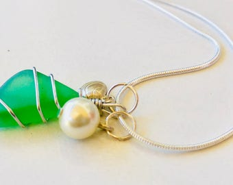 Sea glass necklace - green seaglass necklace with charms - interchangeable - 3 in 1 necklace