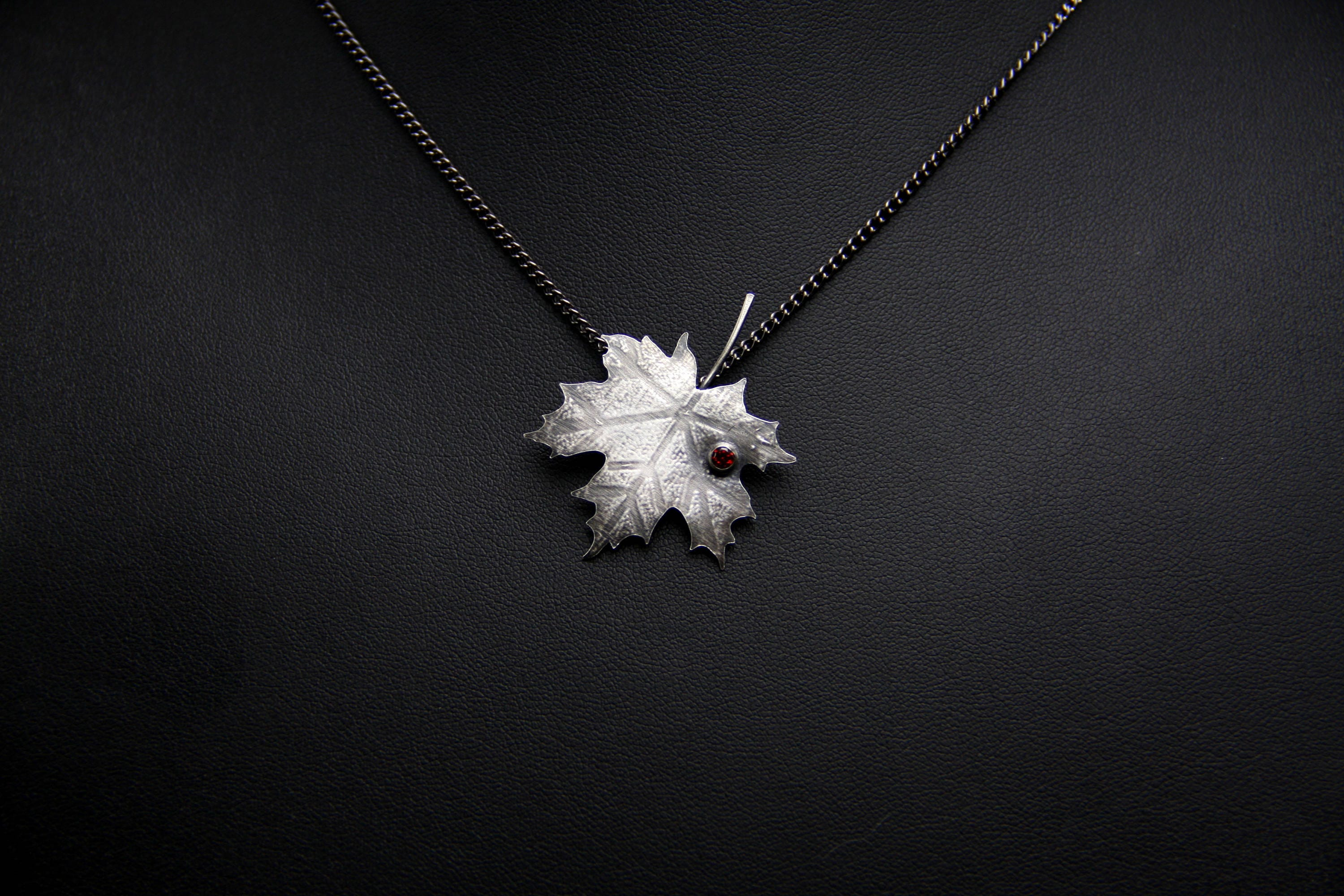 leaf us pave pav pendant with chain pendants cubic metalsmiths gemstone products maple inch sterling