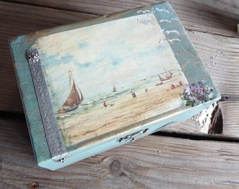 Nice box with sailor scene emulating the old boxes. Hand painted